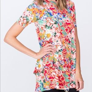 New with tags Agnes & Dora floral tiered tunic s